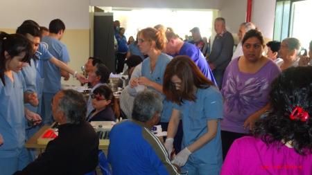 Un equipo numeroso de profesionales y técnicos nos permite asistir entre 35 y 40 pacientes por hora.